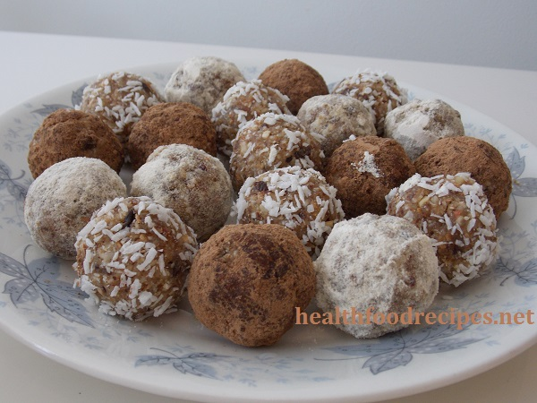 Raw Vegan Chocolate Nut Fruit Balls